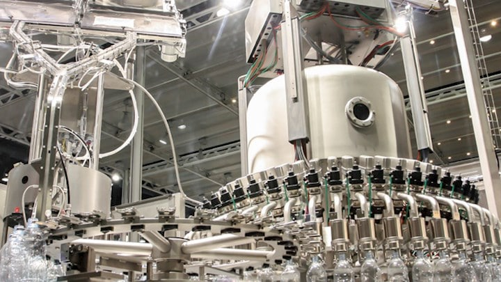 A bottling machine operating with an air filtration solution